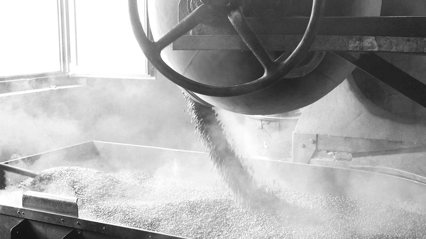 新鮮烘培的咖啡豆